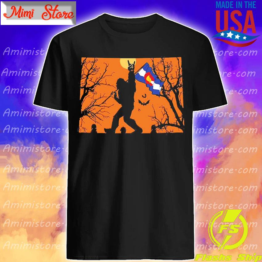 Bigfoot flag Colorado Halloween shirt