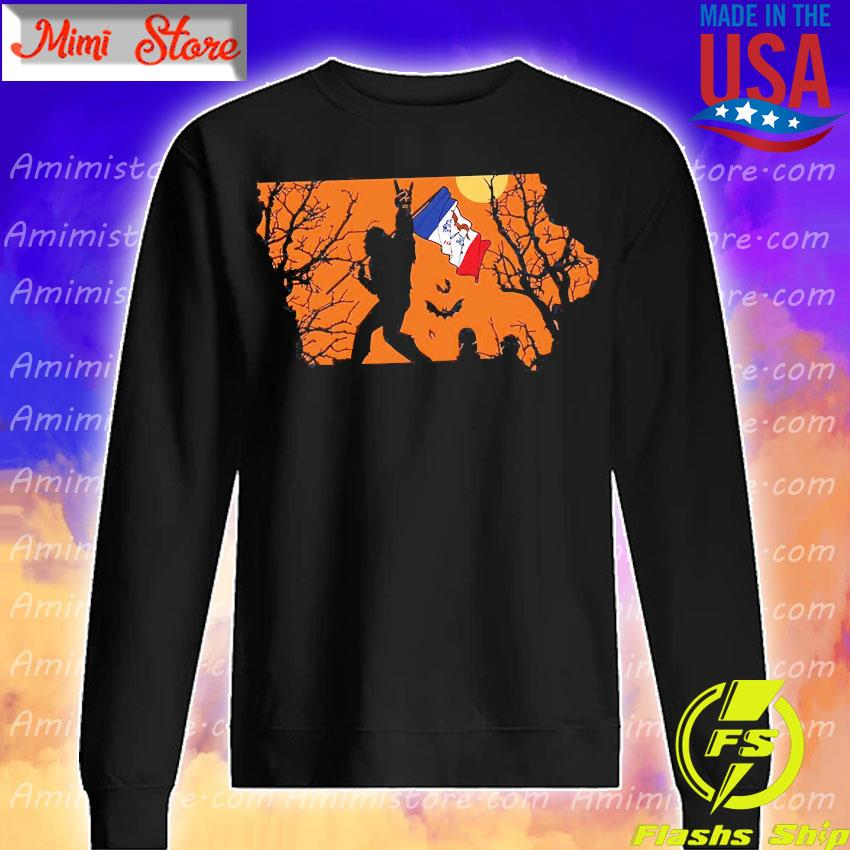 Bigfoot flag Lowa Halloween s Sweatshirt