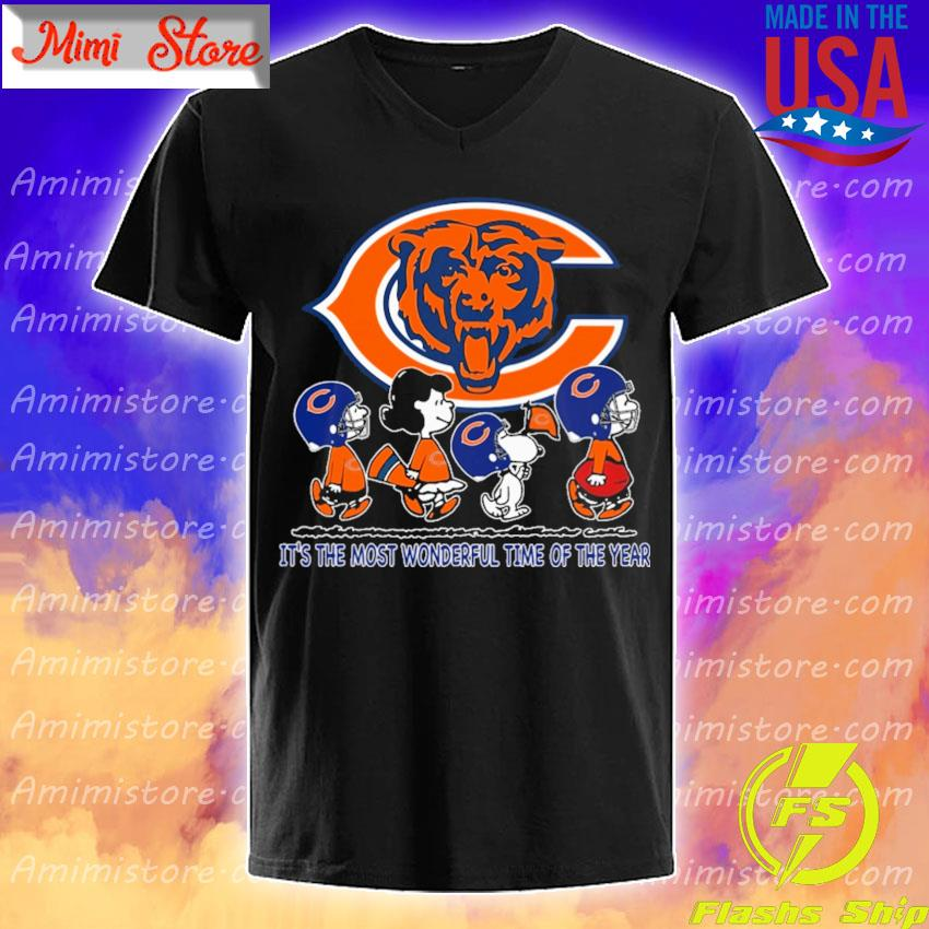 The Peanuts characters Chicago Bears It's the most wonderful time of the year abbey road s V-Neck